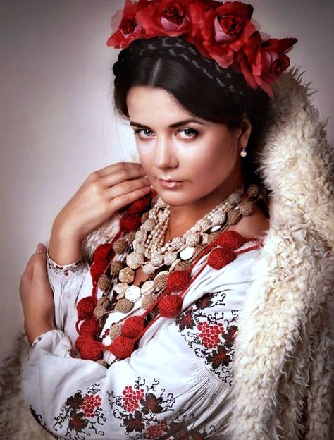 Meet beautiful Ukrainian woman on dating sites for a long term romance and marriage